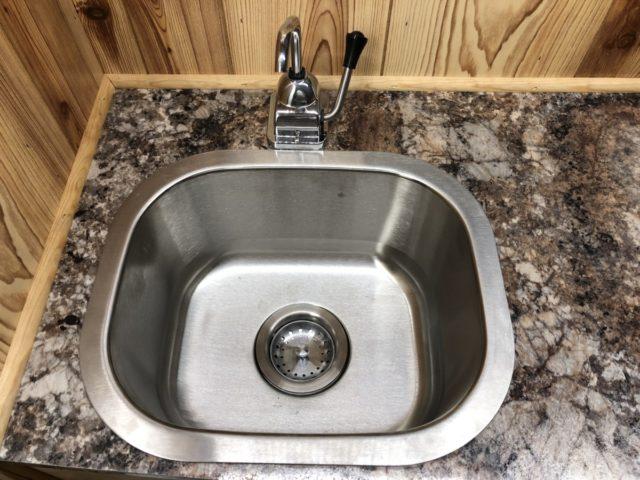 hand-pump-sink